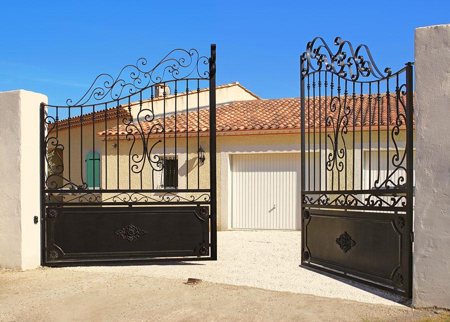 Elyria driveway gate installation company ohio